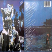 covers/33/bloody_tourists_71986.jpg