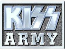 covers/425/army_block__stribrny__plastickyodznacek_se_spendlikem__kiss.jpg