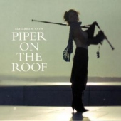covers/560/piper_on_the_roof_1165385.jpg