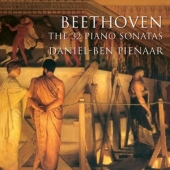 covers/662/32_piano_sonatas_1345569.jpg