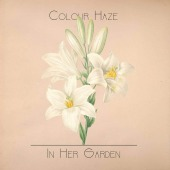covers/895/in_her_garden_colou_1647780.jpg